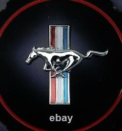 Nouveau! 1965-1973 Ford Mustang Gas Cap Twist Sur Style Billet & Black Running Horse